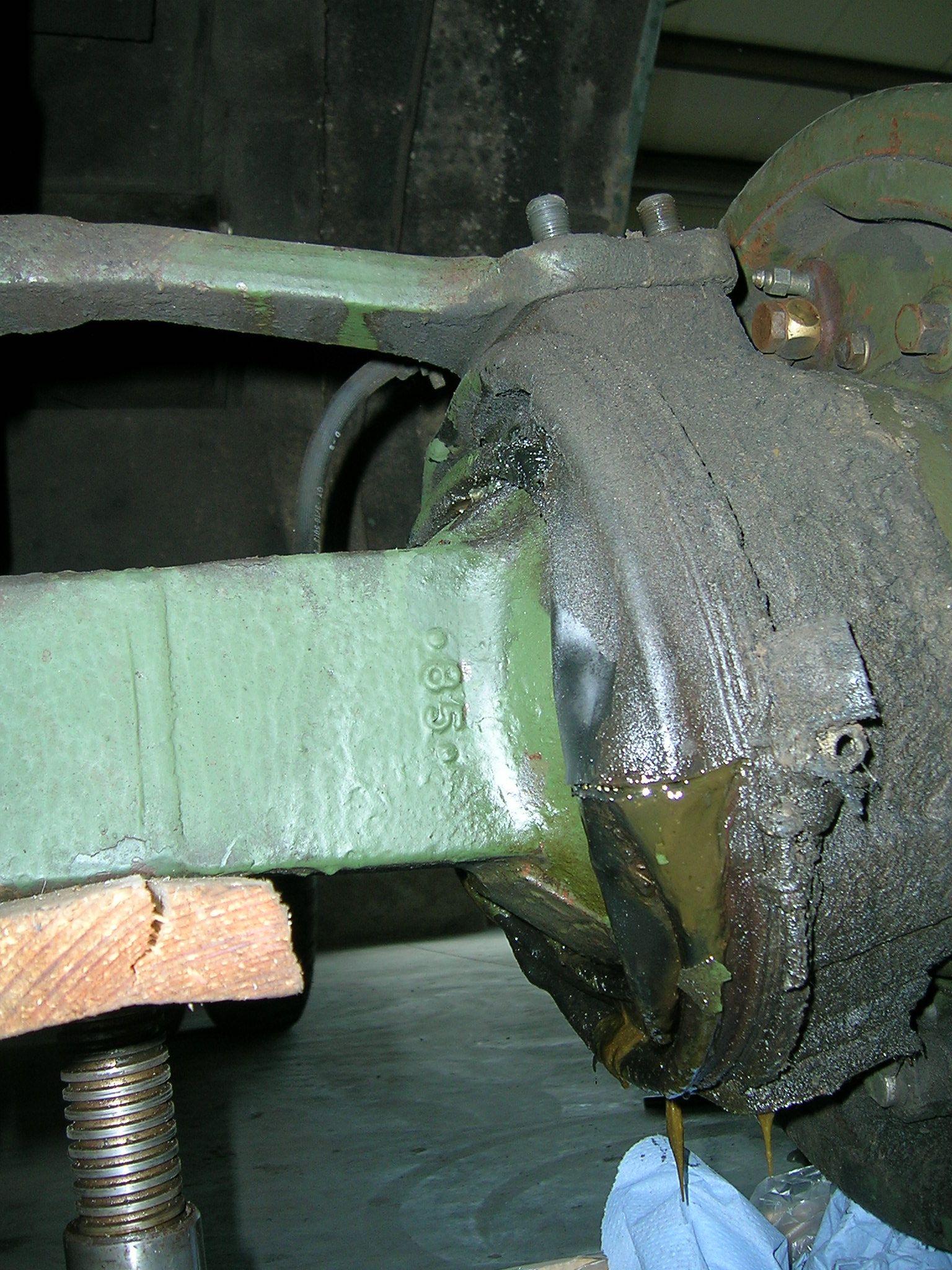 Achmanschetten wechseln beim Reo M35 A2