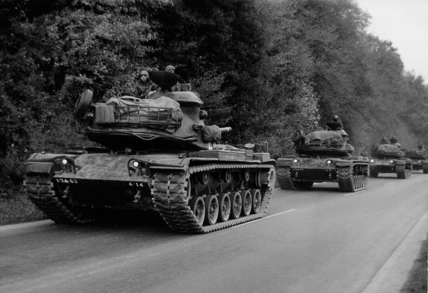 M60 warten auf der B26 auf Einsatz
