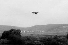 Phantom 2 beim bombardieren des Hügels bei Stettfeld